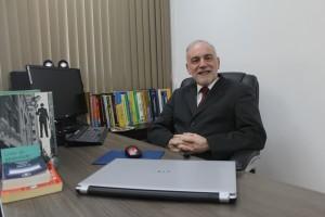 Prof. Flávio Pereira